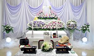 お葬式に必要な内容をすべて含んだ、低価格な家族葬プラン。