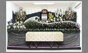 現代風の綺麗な花祭壇