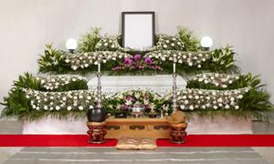 華やかなお花の祭壇(一例)