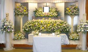 家族10人程度で行った「家族葬」の一例です。